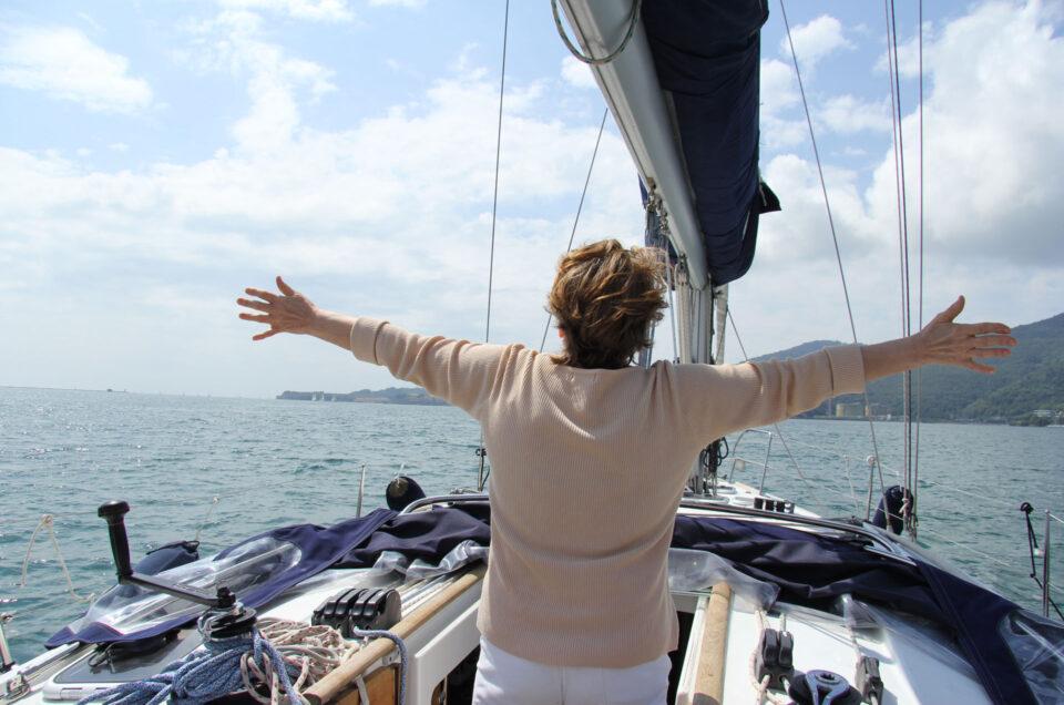 10 tips to avoid <br>seasickness